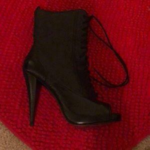 Stunning black heels